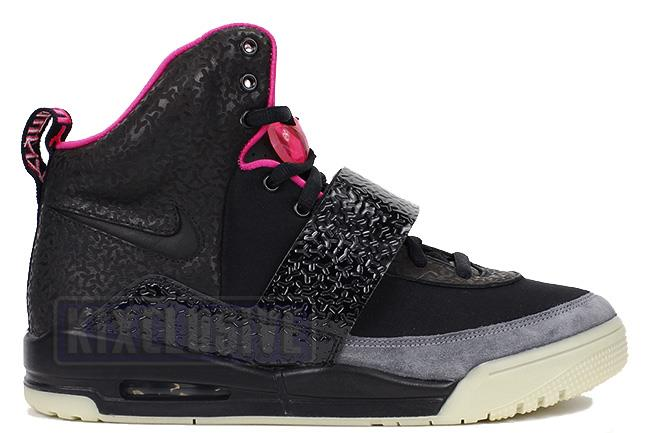 Nike Air Yeezy Black / Black