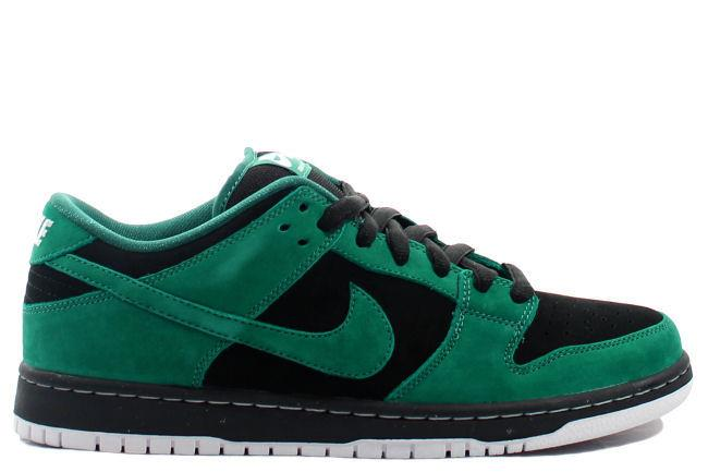 Nike SB Dunk Low 'Green Lantern'