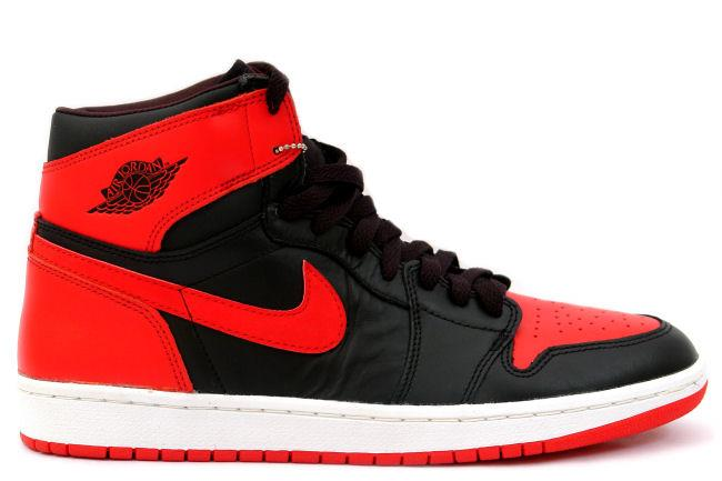 Air Jordan 1 Retro 2001 Black / Red