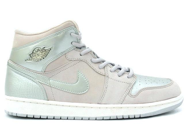 Air Jordan 1 Retro + Grey / Silver